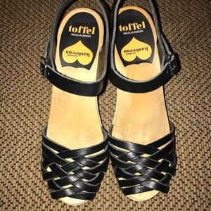 Toffel by Swedish Hasbeen Clogs Size 38